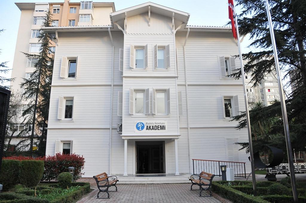 kadikoy-belediyesi-akademi-binasi