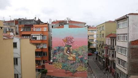 Belediye Binası Sanatçılara Tuval Oldu: Resmi Bir Kuruma Yapılan İlk Mural
