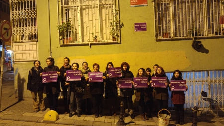 Kadıköy'de Kadınlar Sokak İsimlerini Değiştirdi