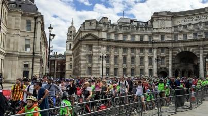 Londra'da Trafiğin En yoğun Olduğu Saatlerde Yakında Arabadan Daha Çok Bisiklet Olabilir