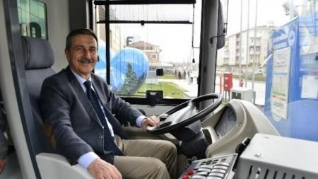 Tepebaşı Belediyesi Yüzde 100 Elektirikli Otobüsleri Hizmete Soktu