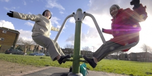 Oyun için Asla Geç Değil: Dünyanın Her Yerinden Yaşlılar için Oyun Alanları
