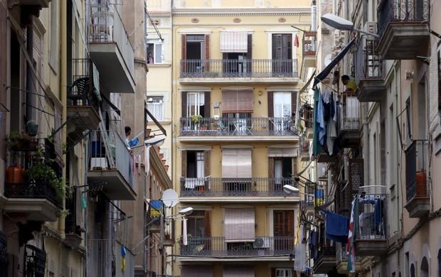 Barselona'nın Ciuatt Vella bölgesinden bir cadde (Albert Gea/Reuters)
