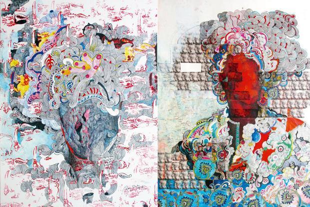"""(Soldan sağa) Pala Pothupitiye'in """"Ancestral Dress 01"""" (2017) ve """"Ancestral Dress 02"""" (2017) tabloları."""