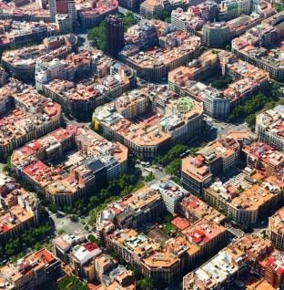 """Barselona """"Süper Blok""""lar Sayesinde Arabaları Kent Merkezinden Uzaklaştırıyor"""