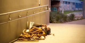 Prag, evsizler için küçük merkezler ağı kurarak evsizliğe son vermeyi hedefliyor